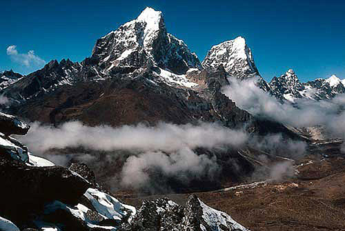 Peaks Tawesche & Cholatse in the Himalayas